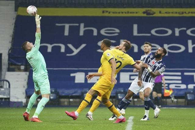 Kane shënon në limite, Tottenham ruan ritmin, Leicester kap vendin e parë