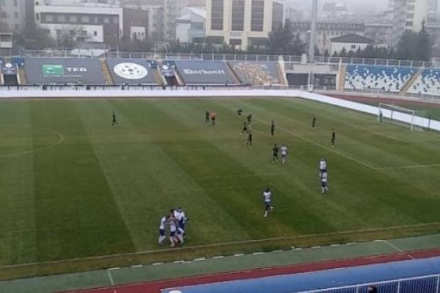"""Superliga e Kosovës: Prishtina ndal """"arratisjen"""" e Dritës"""