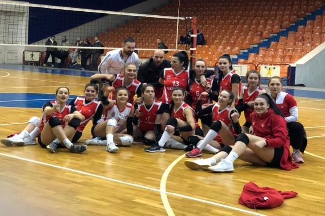 Volejboll  Femra/Finalja e titullit, Partizani fiton të parën