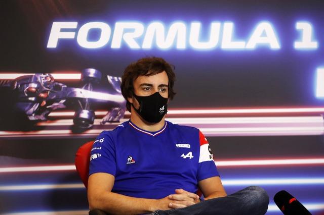 F1, Alonso: Sainz në podium? Kur unë dilja i dyti, ishte një funeral