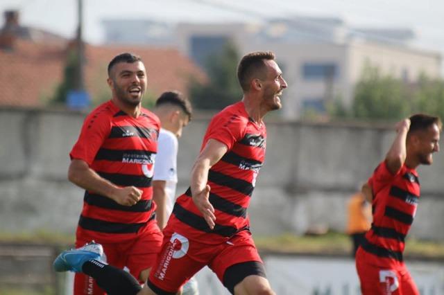 Superliga e Kosovës: Arbëria surprizon Ballkanin, shkarkohet trajneri Shkëmbi