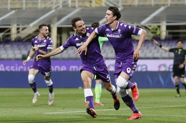 Super Vlahovic, Fiorentina mund Lazio-n