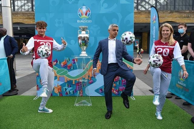 Trofeu i Euro 2020 mbërrin në Londër