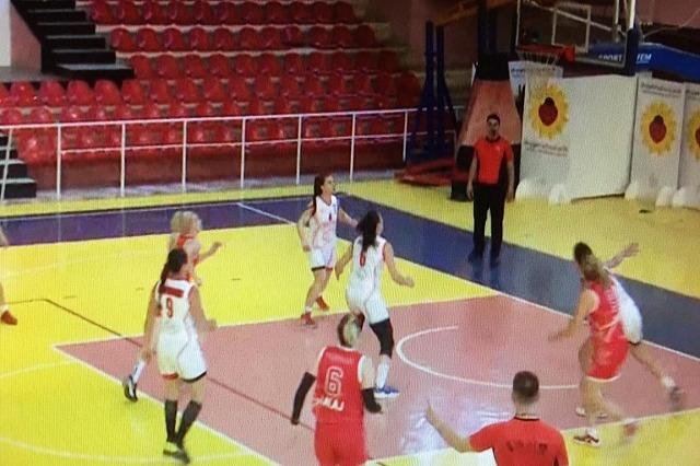 Basketboll Femra/Flamurtari, çfarë vrulli ndaj Partizanit!