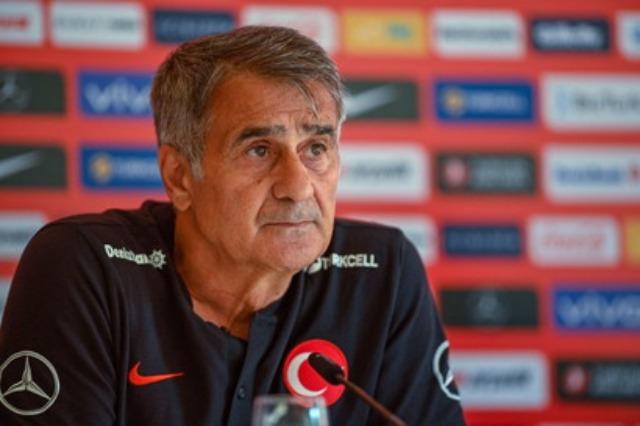 Turqia, Gunes ëndërron: Në finale, me Italinë