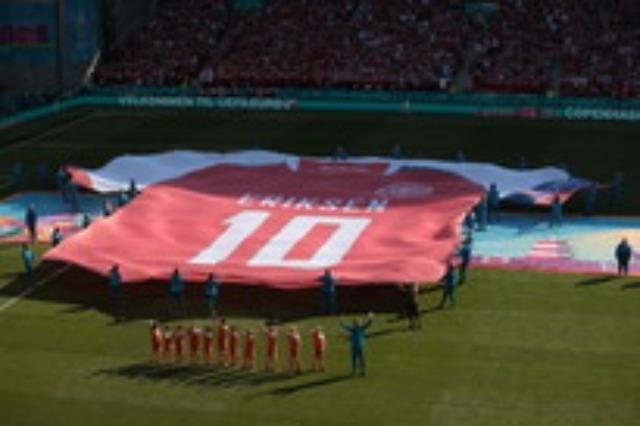 Eriksen nderohet në minutën e 10-të të sfidës Danimarkë-Belgjikë