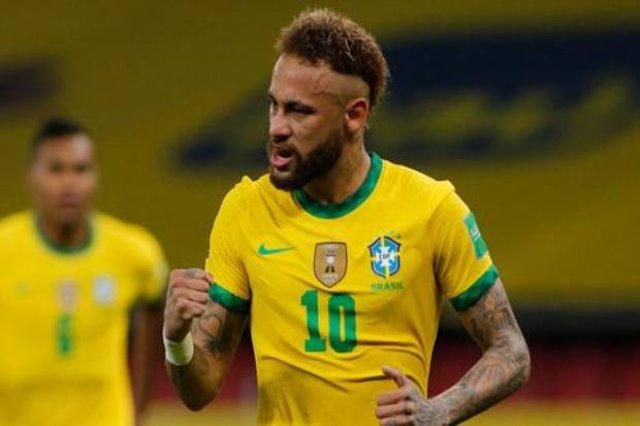 Neymar udhëheq Brazilin, mund Ekuadorin