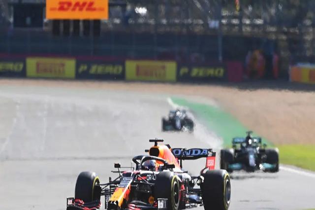 Vershtapen niset i pari në Silverstone