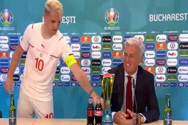 Xhaka, me fjalë emocionuese për Petkoviç