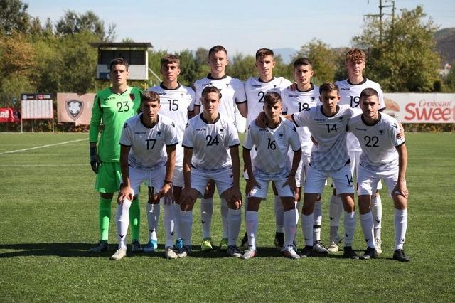 Kombëtarja U-18 fiton miqësoren me Kombëtaren U-17