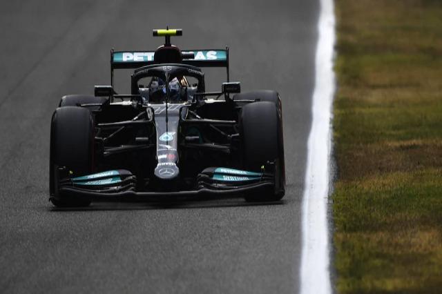 """Mercedes """"pushton"""" dy vendet e para në Monza"""