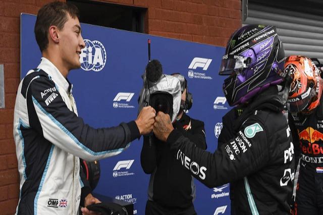 Rasëll bëhet pilot i Mercedes