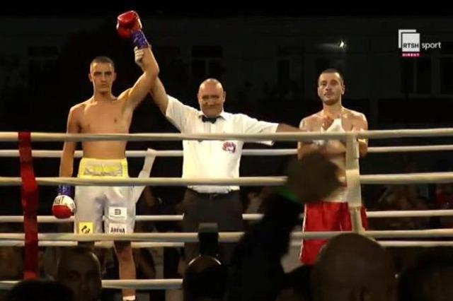 """Amarildo Vraja, mbreti i """"Kavaja Boxing Night"""""""