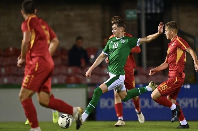 Rocco Vata shkëlqen me Irlandën