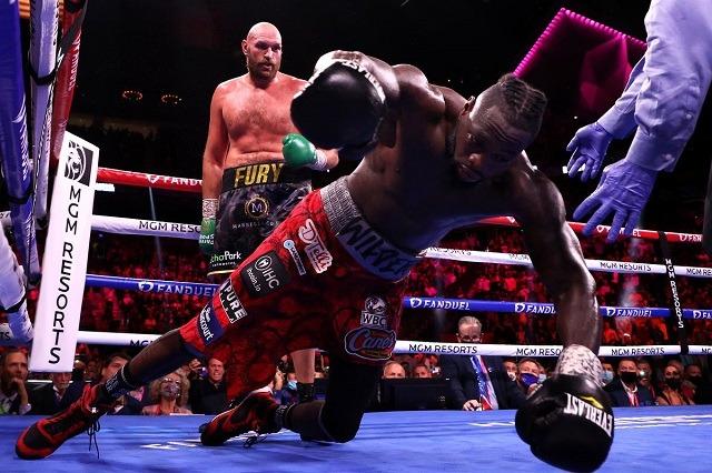 """Tyson Fury mposht Wilder dhe mbron """"Gjerdanin e Artë"""""""